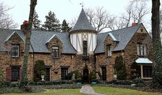 A stone house in Narberth Pennsylvania Tudor Style Homes, French Style Homes, Tudor House, My House, Zen, Casas Tudor, Villa, Old Houses, Nice Houses