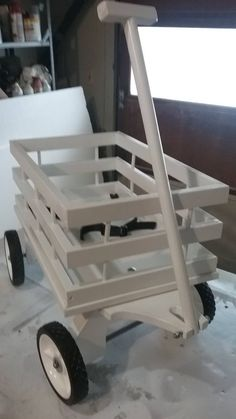 New 4 sided Midi Wagon. Dimensions are 14 Wide by 22 long. The 4 sided adds security to your little one for that important ride down the aisle. Wagon includes seat belt, real tires and a 24 long handle. Perfect for your Wedding Day Wooden Projects, Woodworking Projects Diy, Woodworking Plans, Barn Wood Crafts, Wooden Crafts, Wagon For Wedding, Kids Wagon, Diy Furniture Decor, Wood Toys Plans