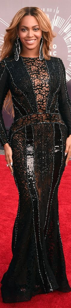 LOOKandLOVEwithLOLO: 2014 MTV Video Music Awards Red Carpet and Performances, Beyoncé in a Nicolas Jebran Dress