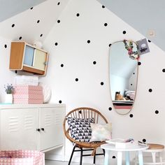 Pom le Bonhomme Black Dots Wall Stickers - Wall Stickers - Home & Sleep