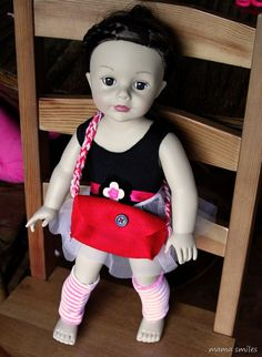 Doll bag with a pattern that kids can make