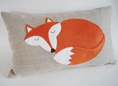 Fox Pillow/ Organic Linen Pillow Cover/ por dagmarsdesigns en Etsy, $59.00
