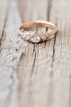 this is the cllosest thingive seen to my dream ring. diamonds dont pucker out annoyingly, diamond shape and style on point, all it needs to be is in white gold #pearring #rosegold #vintageengagementring