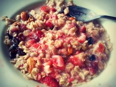 A healthy & energizing oatmeal recipe: 1/2 Cup Dried Oatmeal. 1/2 Cup Skim Milk. 1/2 Cup Water. 1/2 Cup Strawberry Halves. 1/4 Cup Raisins. 10 Almonds. 1 Packet of Truvia!