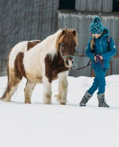Walking together in the snow. Check our website for comfortable snowboots for kids and adults (no boots for animals, sorry. Tent Camping, Camping Gear, Walk Together, Snow Fun, Cute Horses, Outdoor Photos, Ski And Snowboard, Outdoor Outfit, Winter Sports