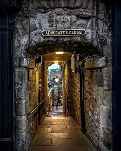The Devil's Advocate, Old Town 🌼 Edinburgh ~ Scotland Congrats U… Places To Travel, Places To See, Travel Destinations, Old Town Edinburgh, Visit Edinburgh, Medieval Village, The Devil's Advocate, Funchal, England And Scotland