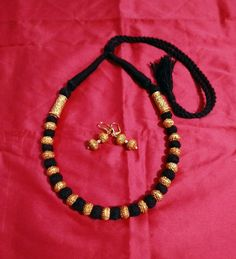 Gold Temple Jewellery, Gold Jewellery Design, Silver Jewelry, Pearl Necklace Designs, Ankle Jewelry, Black Thread, Silk Thread, Stylish Jewelry, Making Ideas