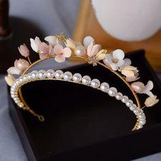Pearl Headband, Crown Headband, Wedding Headband, Bridal Crown, Ear Piercing Combinations, Pearl Flower, Tiaras And Crowns, Wedding Hair Accessories, Cute Jewelry