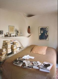 The World of Interiors, October 2012 Home Interior, Interior And Exterior, Interior Decorating, Interior Design, Decorating Tips, Houses Architecture, Interior Architecture, Style At Home, Master Bedroom