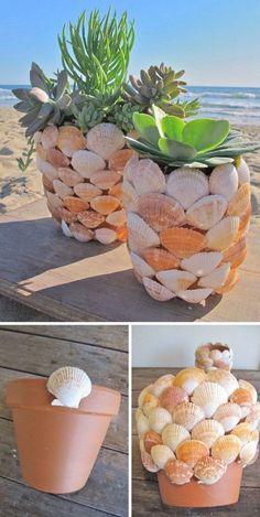 Creative Decor 81543 idea how to make a diy flower pot, shell decoration, succulent plant storage, seaside decor Seashell Art, Seashell Crafts, Beach Crafts, Home Crafts, Diy Flowers, Flower Pots, Wedding Flowers, Fun And Easy Diys, Seashell Projects
