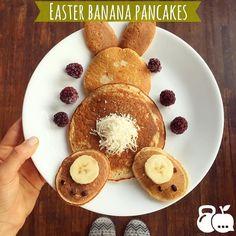 Happy easter!  disfruten mucho!!  3 claras de huevo  1 plátano  4 cucharadas de avena  edulcorante al gusto (yo use 2 stevias. ) 1 cucharadita de bicarbonato de sodio o polvo para hornear 1 cucharadita de vainilla