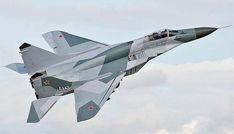 В Сети появилось видео полета истребителя МиГ-29 на предельно низкой высоте http://oane.ws/2017/12/25/v-seti-poyavilos-video-poleta-istrebitelya-mig-29-na-predelno-nizkoy-vysote.html  В Сети опубликовали 15-секундное видео, где показан полет истребителя модели МиГ-29 на предельно низкой высоте. Новая запись с участием воздушного транспорта появилась на интернет-портале сирийского медиацентра Muraselon.
