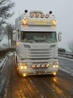 Dutch Proud ✔️ Customised Trucks, Custom Trucks, Cool Trucks, Big Trucks, Rat Look, Vintage Tractors, Heavy Truck, Best Luxury Cars, Semi Trucks
