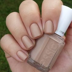 Essie cashmere collection: All eyes on nude.