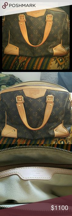 Louis Vuitton Monogram Retiro PM Bag Authentic Louis Vuitton Retiro PM has style and practicality. PM bag is the Medium size of the LV Retiro bunch. Monogram canvas, alcantra lining and brown leather trimmings. Goldtone hardwear, theee inside pockets and D ring attachment. Side straps allow for maximum flexibility with this great bag. Louis Vuitton Bags Shoulder Bags