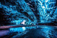 Island verzaubert! Was die Natur hier erschaffen hat, ist ein wahres Meisterwerk. Schaut euch nur mal den Vatnajökull Gletscher mit seinen Eishöhlen an!