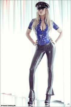 Sexy Officer donning a blue Latex Top Sexy Latex, Latex Wear, Latex Babe, Latex Outfit, Fetish Fashion, Latex Fashion, Latex Girls, Catsuit, Lady