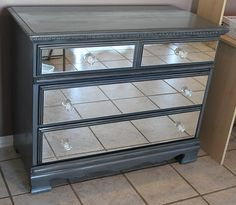 DIY Mirrored Dresser {Armoires & Cabinets} - Do It Yourself Ideen Diy Mirrored Furniture, Repurposed Furniture, Furniture Makeover, Painted Furniture, Dresser Makeovers, Dresser Ideas, Furniture Projects, Diy Furniture, Bedroom Furniture