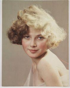A Vivex colour photograph of a young woman, taken by Herbert Lambert in 1932.