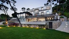 Beautiful villa on t
