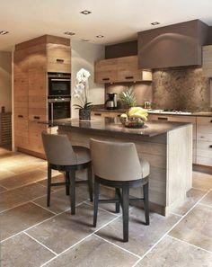 jolie-petite-cuisine-ouverte-vers-le-salon-meubles-gris-intérieur-gris-dans-la-cuisine