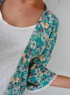 Comme un kimono - fashion dresses - Kimono Fashion, Diy Fashion, Retro Fashion, Fashion Dresses, Street Fashion, Coin Couture, Couture Sewing, Sweden Fashion, Japan Fashion