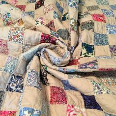Liberty of London and yarn-dyed background - a perfect match https://www.etsy.com/listing/616007773/liberty-of-london-patchwork-quilt
