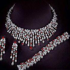 Parure bague et collier femme chez Princesse Diamants. Bague diamant |… http://www.princessediamants.com/