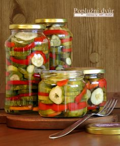 okurkové řezy z Poplužního dvora www.popluznidvur.cz Preserves, Pickles, Cucumber, Canning, Vegetables, Recipes, Food, Creative, Preserve