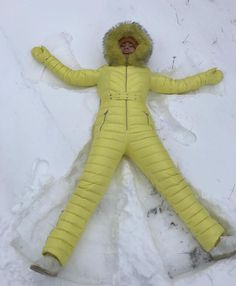 Classy Clothes, Classy Outfits, Snow Fashion, Winter Fashion, Down Suit, Winter Suit, Fur Collars, Catsuit, Skiing