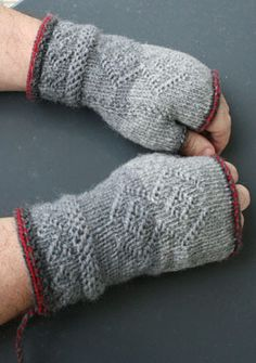 Fingerless Mitts, Wrist Warmers, Knitted Gloves, Knitting Projects, Twine, Diy And Crafts, Knit Crochet, Crochet Patterns, Stitch