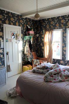 Niinan unelmia: Less is Cream Room, Room Goals, Less Is More, Dream Bedroom, Blankets, Sweet Home, Nighty Night, Jewel Box, Laura Ashley