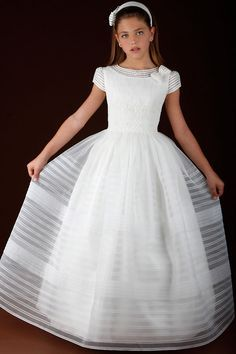 Primera comunión on Pinterest | Communion Dresses, First Communion ...