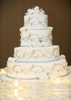 Risultato della ricerca immagini di Google per http://www.sposalicious.com/wp-content/uploads/2012/11/wedding-cake-bianca-9.jpg