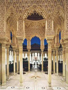 The Moorish architecture of Alhambra in Granada, Andalucía - Spain Madrid, Places To Travel, Places To See, Wonderful Places, Beautiful Places, Amazing Places, It's Amazing, Awesome, Places Around The World