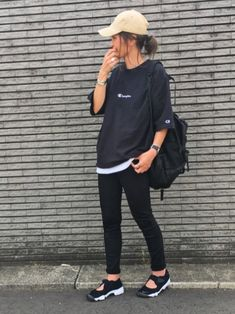 34 Ideas Womens Outfits With Sneakers Girls in - Outfit Ideen Tomboy Outfits, Tomboy Fashion, Curvy Outfits, Cute Casual Outfits, Korean Street Fashion, Asian Fashion, Trendy Clothes For Women, Korean Outfits, Looks Style