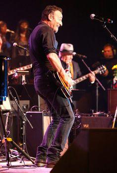 Springsteen, Metallica, Eminem, Rihanna to perform free Concert for Valor in DC