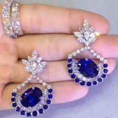 12 carat cornflower blue Sri Lankan sapphire and diamond earrings from @sirus_tanya