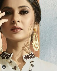 Jennifer Winget Beyhadh, Get Glam, Profile Picture For Girls, Jennifer Love, Beautiful Little Girls, Girls Dpz, Beauty Full Girl, Picture Poses, Indian Beauty