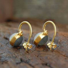 Labradorite and Moonstone Gemstone Double sided Earring. 18k Gold.