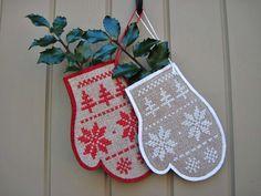 Scandinavian Mitten Ornament Cross Stitch by twood59 on Etsy, $5.00