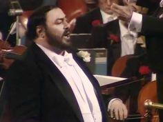 Luciano Pavarotti. Torna a Surriento. London 1982. - YouTube