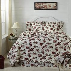 Mariell Queen Quilt 90x90 - The Mariell collection features red flowers with black and olive leaves on a crème ground. The Ashton