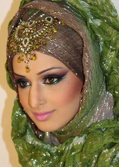 Love this look so beautiful Arabian Makeup, Arabian Beauty, Beautiful Hijab Girl, Beautiful Bride, Gorgeous Eyes, Islamic Fashion, Muslim Fashion, Hijab Fashion, Bridal Beauty