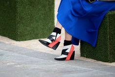 60 Inspiring Street-Style Snaps Straight From LFW Sweet Style, My Style, Striped Wedges, Style Snaps, Fashion Pictures, London Fashion, Me Too Shoes, Amazing, Wedge Shoes