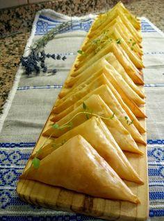 É tão simples fazer Chamuças de Vegetais na Actifry Express. Descobre como com a Alquimia dos Tachos Chef Recipes, Veggie Recipes, Indian Food Recipes, Vegetarian Recipes, Cooking Recipes, Samosas, Confort Food, Tandoori Masala, Xmas Food
