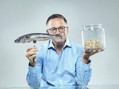 """Tips For A Better Diet For a """"Younger Brain"""", better memory (maybe?): Dr MICHAEL MOSLEY's diet recipes - Today's installment is a ten-point plan of well-proven ways to ensure you keep a youthful mind – and perhaps even stave off dementia. 5 2 Diet Recipes 500 Calories, 800 Calorie Diet, 300 Calories, 5 2 Diet Plan, Easy Diet Plan, Michael Mosley, Ab Diet, Diet Foods, Grapefruit Diet"""