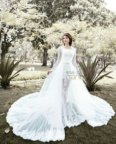 Overskirt wedding gown !