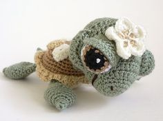 Cutest crocheted sea turtle I have ever seen.  Pattern is not yet for sale but will be on Etsy by Peggytoes.