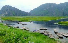Trang An, la baie d'Halong terrestre près de Ninh Binh au Vietnam - Vanupied Hanoi, Vietnam, Mountains, Photos, Travel, Nature Reserve, Drill Bit, Landscape, Cards